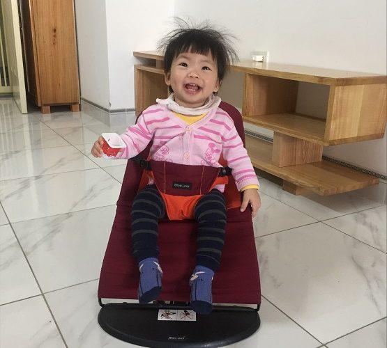 Ghế rung cho bé là món quà đầy tháng cho bé sử dụng mãi - Hahuma